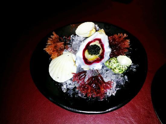 41 Degrees: ostra con borch y caviar