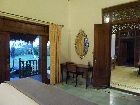Life in Amed Boutique Hotel: Perfumed Garden Beach House Sandalwood Room