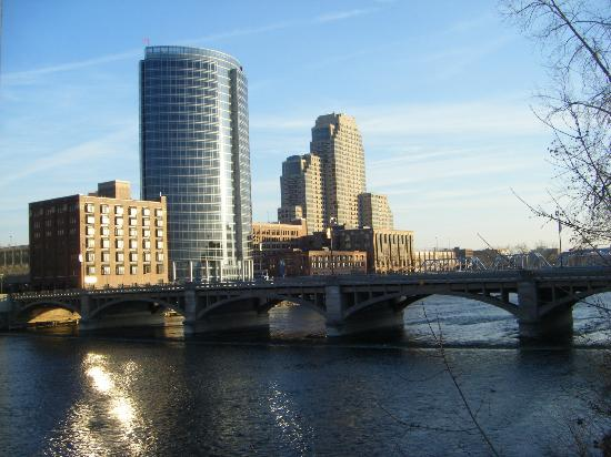 Gerald R. Ford Museum: Grand River
