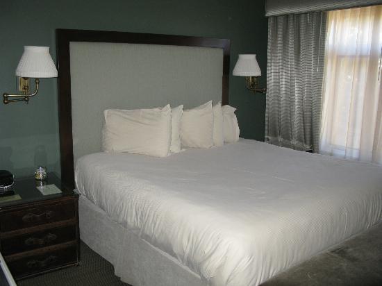 El Tovar Hotel: Bell Boy Suite - King Bed 