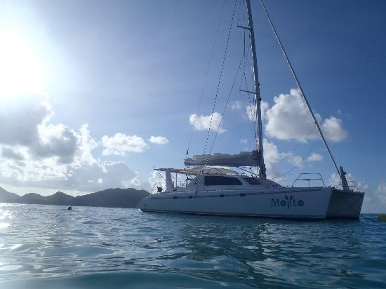 Private Yacht Charter SXM - Day Trips: Mojito at Tintamaree Islands