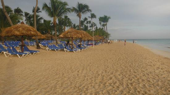 Luxury Bahia Principe Esmeralda: view of beach area