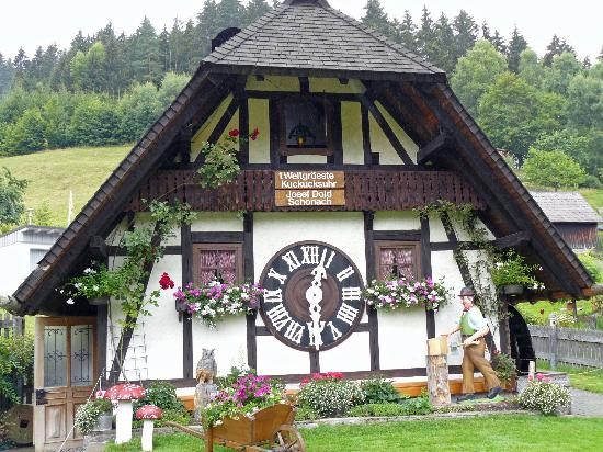 Schonach, Tyskland: World's Biggest Cuckoo Clock!