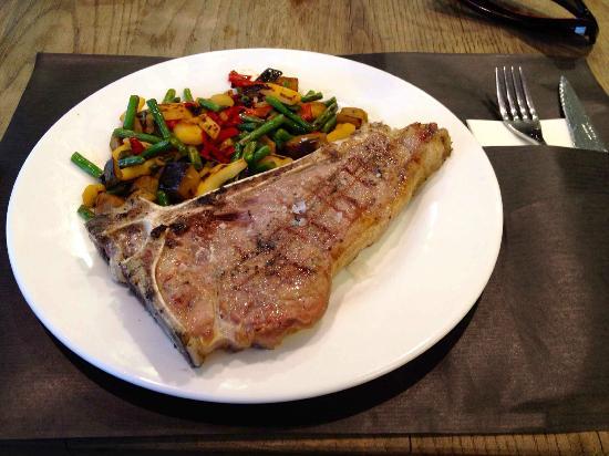 Ivan Cafeteria: ¡A esto le llamo un buen bistec!