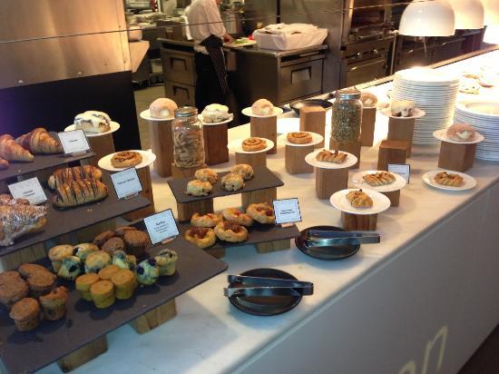 Fairmont Pacific Rim: Sweets.rolls,croissant etc