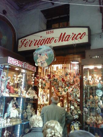 Marco Ferrigno   fotografía de Via San Gregorio Armeno fd08ac3e66f03