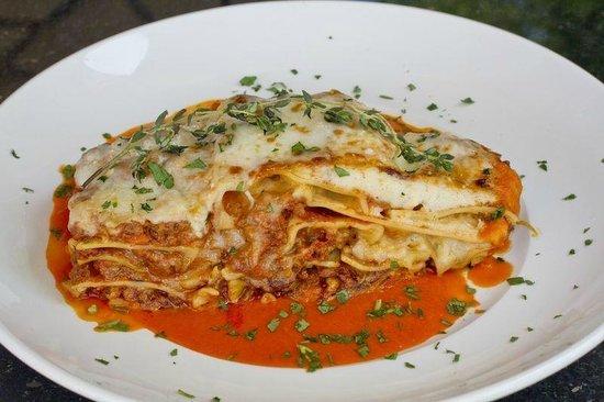 Villa Capri Trattoria & Wine Bar: lasagna