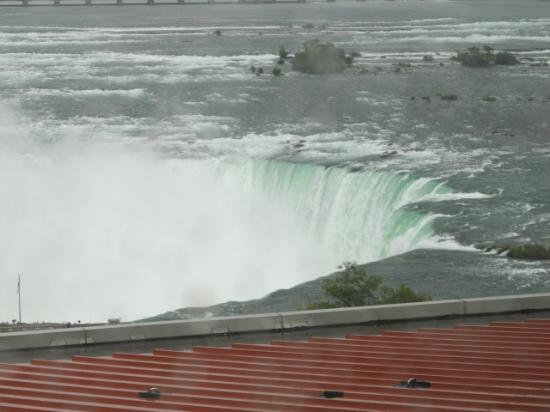 Embassy Suites by Hilton Niagara Falls Fallsview Hotel: Veiw from room 1105