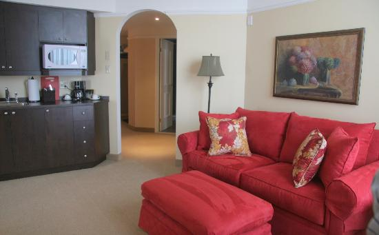 Le St Martin Bromont: executive suite living room