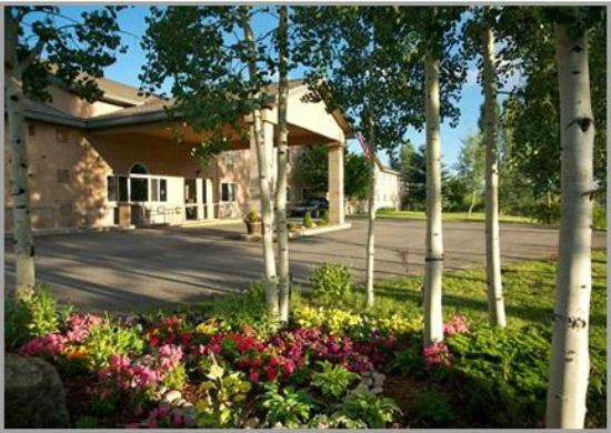 Quality Inn & Suites: Quality Inn Steamboat in the Summertime