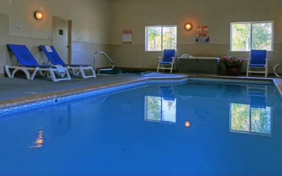 Quality Inn & Suites: Quality Inn Steamboat Pool and Hot Tub