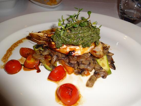 Ajia Hotel: Prawn with ratatouille vegetables