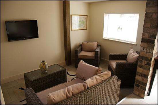 Wennington Lodge: The Annexe - Lounge