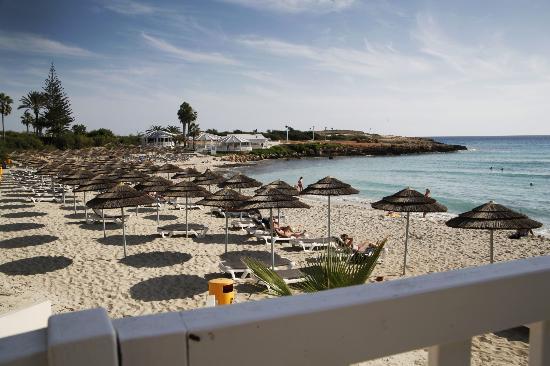 Nissi Beach Resort: Blick von der Strandbar
