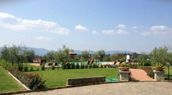 Agriturismo Savernano: The Pool with a View at Savernano