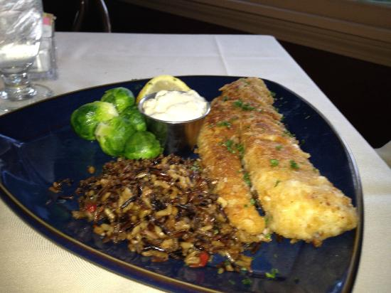 Pinewood Supper Club: My wife and mothers delicious fresh Walleye