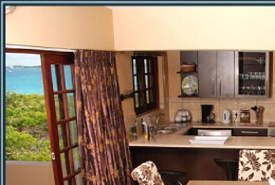 Deacra Villas, Sol Resorts: Deacra Villas - kitchen/ dining area