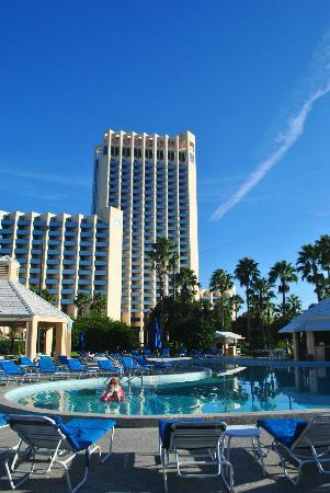 Hilton Orlando Buena Vista Palace Disney Springs: Vista da área mais moderna