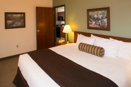 Kress Inn, An Ascend Hotel Collection: King Executive Suite Bedroom