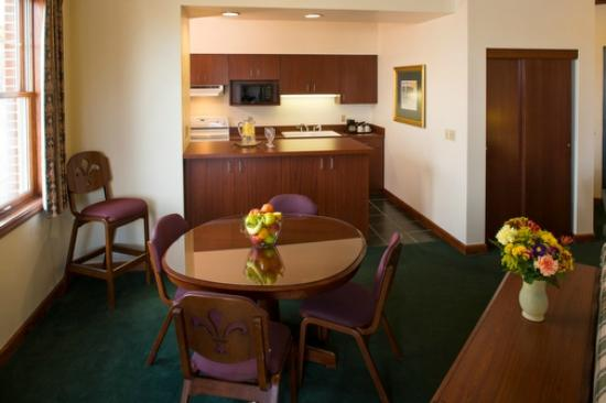 Kress Inn, An Ascend Hotel Collection: Presidential Suite Living Room Area