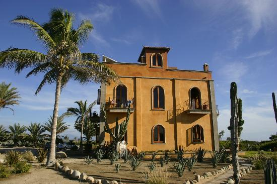 Villa Santa Cruz: The villa presents itself to the ocean