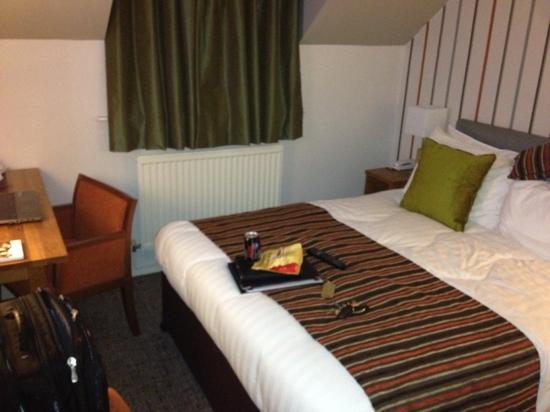 BEST WESTERN PLUS Henley Hotel: room nice but very small