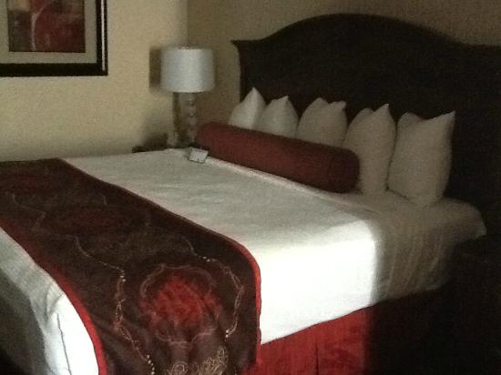 Best Western Plus Abbey Inn: bed