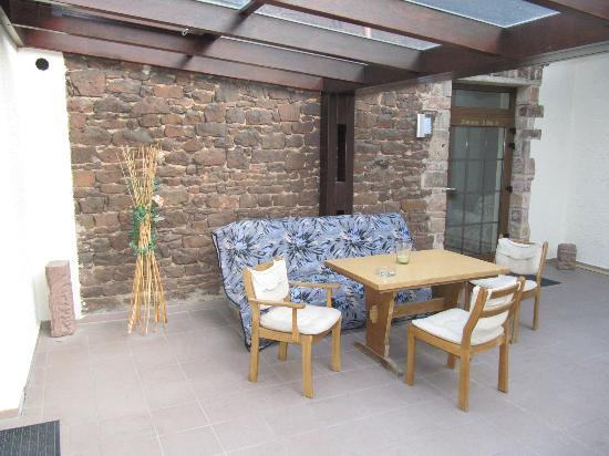 Restaurant & Hotel Exquisite: Dachterrasse vor den Zimmern