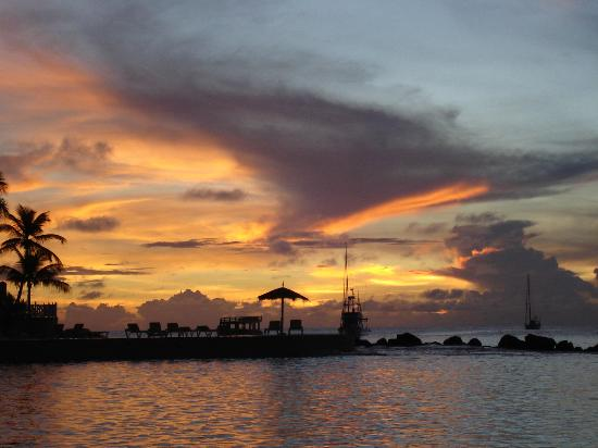 Coco Reef Resort & Spa Tobago: Sunset over Pelican Point