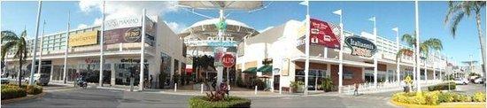 Las Plazas Outlet Cancun : getlstd_property_photo