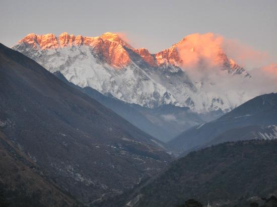 Hotel Himalayan: View of Nhotse Ride, Mt. Everest and Lhotse