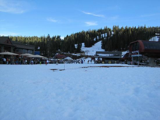 Big Horn Lodge - Tahoe Mountain Lodging: Northstar Mid-mountain