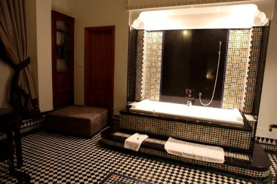Palais Amani: Bathroom in the suite
