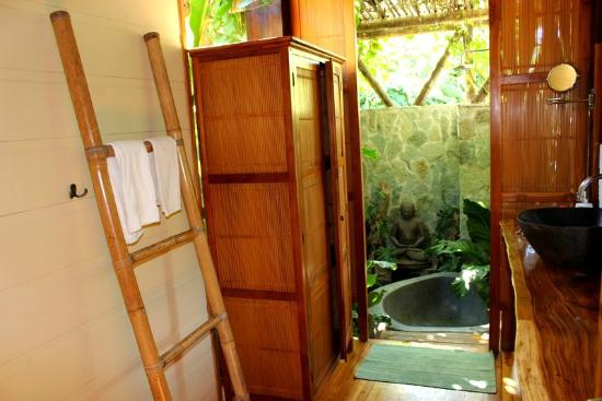 Pranamar Villas and Yoga Retreat: bathroom
