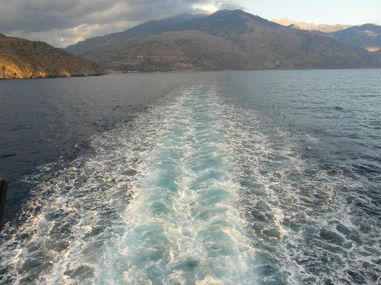 ANENDYK Ferries: Leaving Sougia in its wake