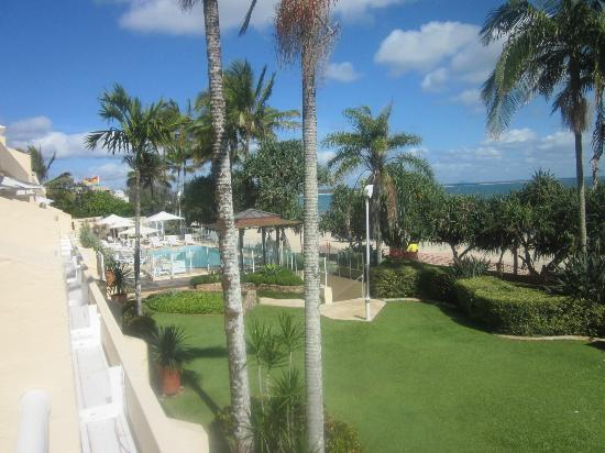 Netanya Noosa: view of pool area and beach