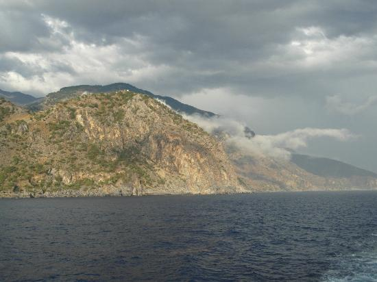 ANENDYK Ferries: Coastal view from ferry between Ag. Roumeli and Sougia