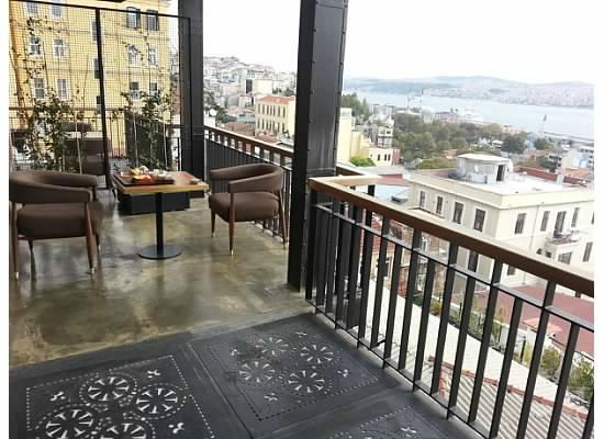 Georges Hotel Galata: Large, private terrace