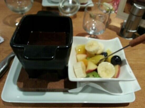 fondue au chocolat picture of restaurant aintzira le lac. Black Bedroom Furniture Sets. Home Design Ideas
