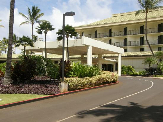 Kauai Beach Resort: Front Entrance