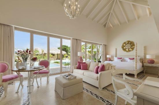 Eden Roc at Cap Cana: Junior Suite Lagoon View, 824 sq ft of interior air-conditioned space