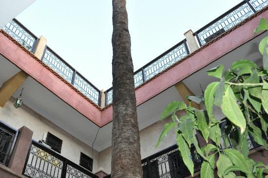 Hotel Cecil Marrakech: Courtyard