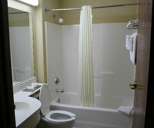The Floridian Hotel and Suites: Bathroom