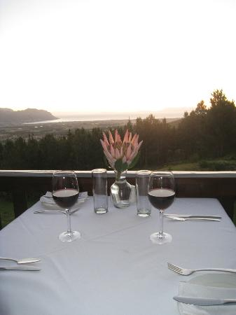 Lalapanzi Lodge: Sunset dinner on deck