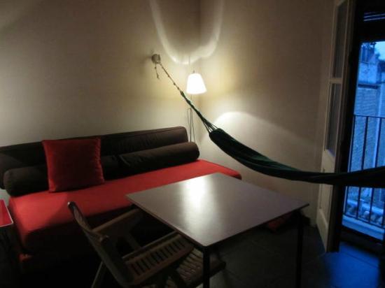 Casa Camper Hotel Barcelona: Mini-lounge