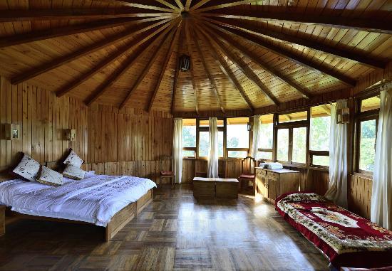 Yangsum Heritage Farm: Log cottage