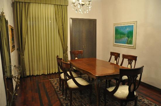 Astor Hotel: Dining Room in Suite