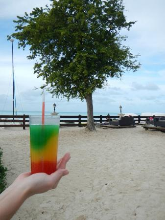 Sandals Grande Antigua Resort & Spa: Athea's Reggae Top 
