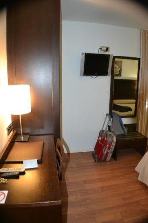 Hotel Maza: habitacion