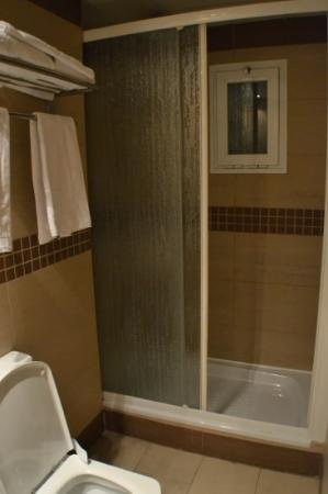 Hotel Maza: ducha